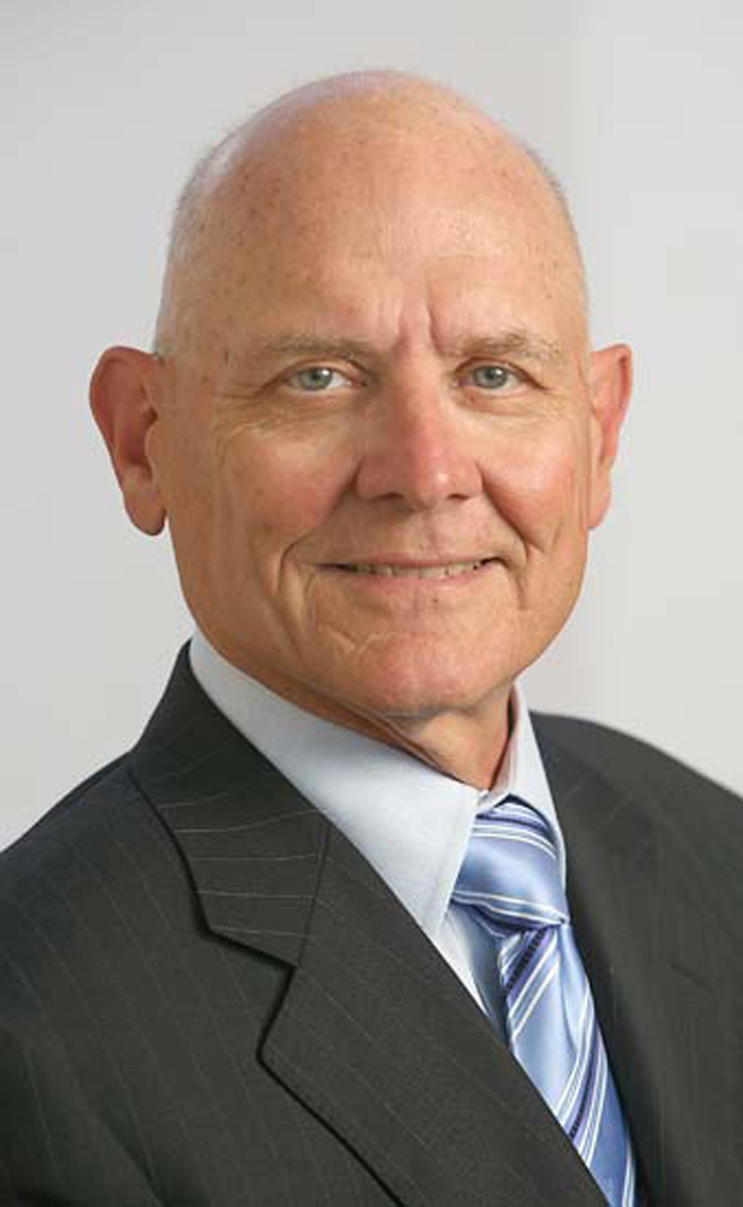 Daniel Quinn Mills